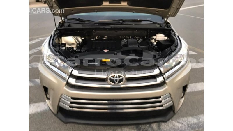 Big with watermark toyota highlander atl%c3%a1ntida import dubai 4010