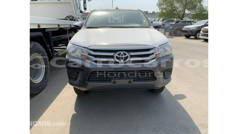 Big with watermark toyota hilux atl%c3%a1ntida import dubai 4096